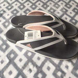 New women's sz 9 sandals